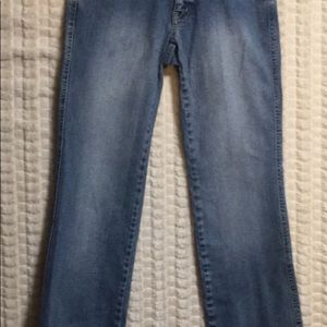 2P SIGRID OLSEN EMB Distressed Jeans.